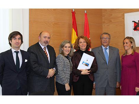 Con el Consejero de Asuntos Sociales de la Comunidad de Madrid