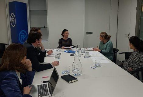 Reunión de trabajo con Andra Levy, Vicesecretaria de Estudios y Programas del Partido Popular.