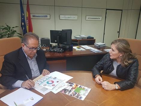 Reunión de trabajo con Ángel Parreño, Director General de Servicios para las Familias y la Infancia