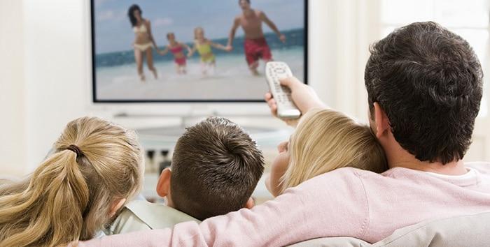 La Familia ante el cine y las series