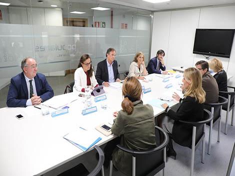 Reunión de organizaciones de Familia con el Partido Popular