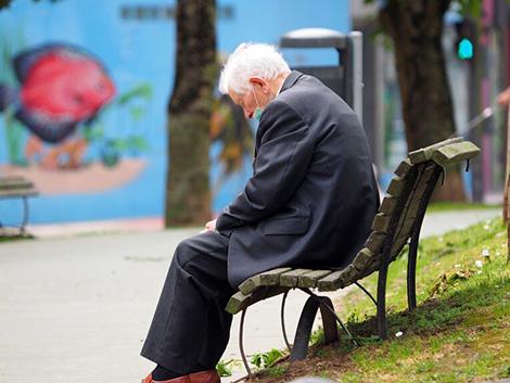 La amenaza de deflación cuestiona la subida de pensiones y salarios públicos