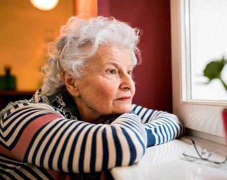 Soledad, el sentimiento del 70% de los mayores que viven acompañados