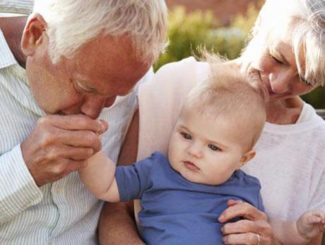 26 de julio, Día de los Abuelos: «Son como el corazón. Si se para, todo el mundo lo nota»
