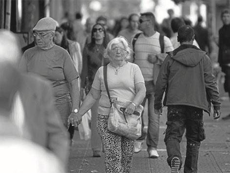 Los abuelos se mantienen como un pilar básico para la conciliación familiar