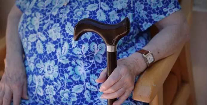 Más del 40% de personas mayores realizan actividades solidarias no remuneradas en España, según un estudio