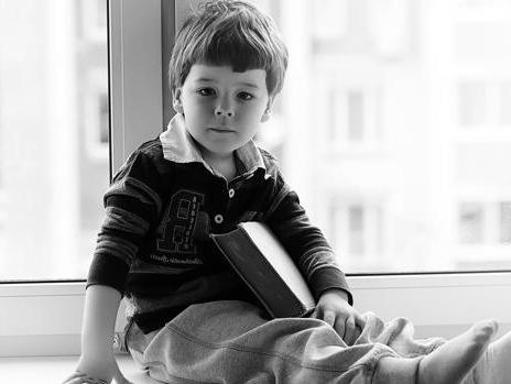En España 13.500 niños esperan los cuidados y el cariño de una familia de acogida