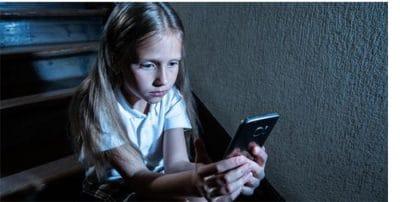 Más de la mitad de los niños ve adecuado prohibir el móvil en colegio para evitar el acoso y las distracciones