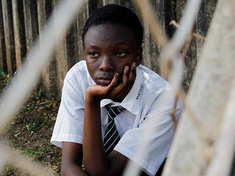 Por qué hay países en los que es mejor abrir escuelas pese a arriesgarse a un brote
