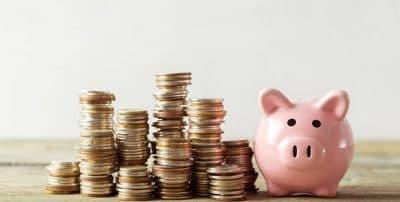 El ahorro de las familias bate récord histórico por temor al paro