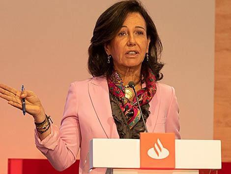 El Santander ultima un programa para contratar a mujeres que dejaron de trabajar por tener hijos