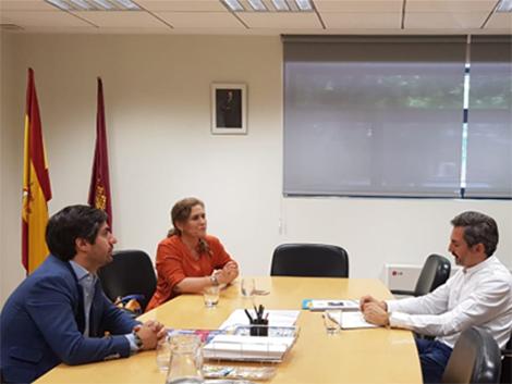 Reunión de trabajo con el Concejal de Familias en el Ayuntamiento de Madrid