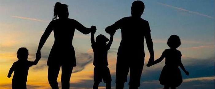Las familias saludan la prestación por crianza y la ampliación del permiso de paternidad y maternidad