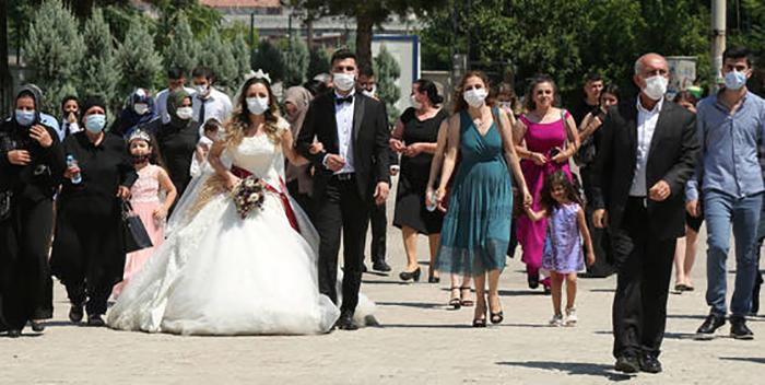 Un 'boom' de bodas es inevitable en España: la gran pregunta es cuándo se producirá