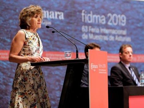 María Luisa Carcedo propone endurecer las leyes sobre tabaco y alcohol