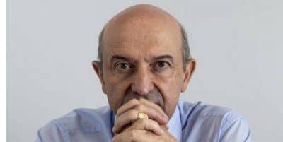 Martínez-González: «Las dos teorías sobre el origen del virus están abiertas ahora mismo»