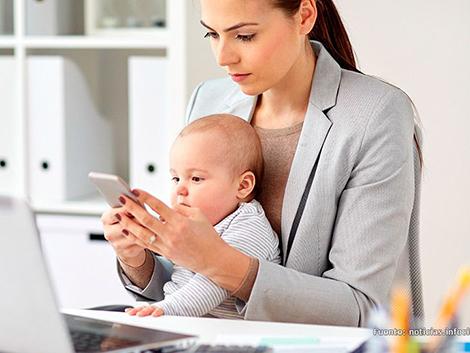 Asociaciones de familias piden que se facilite el teletrabajo a los empleados que son padres y madres