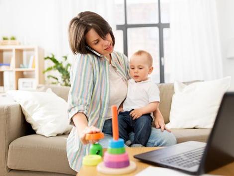 Las madres trabajadoras con hijos pequeños, las otras víctimas de la crisis del coronavirus