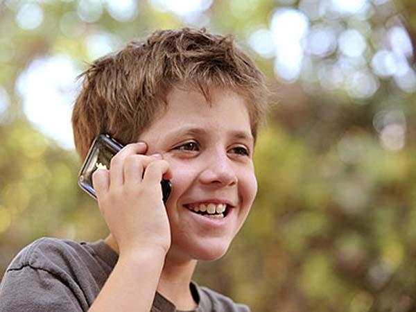 ¿Necesitan teléfono móvil nuestros hijos?