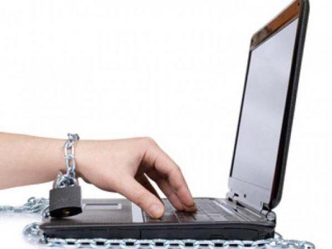 Los doce signos de alarma que detectan si su hijo es adicto a internet