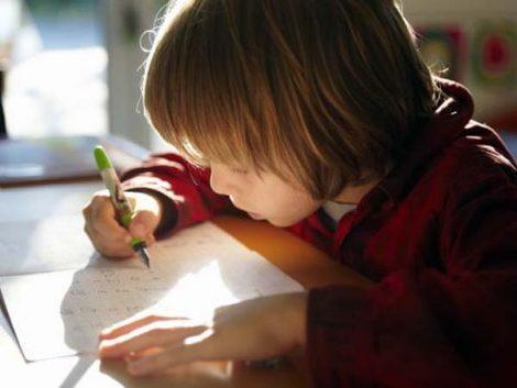¿Conviene (o no) que los niños hagan deberes en casa?