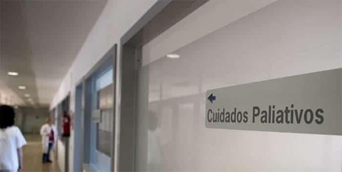 """Fernando Carmona: """"La inmensa mayoría de pacientes que requerirían cuidados paliativos no los reciben"""""""