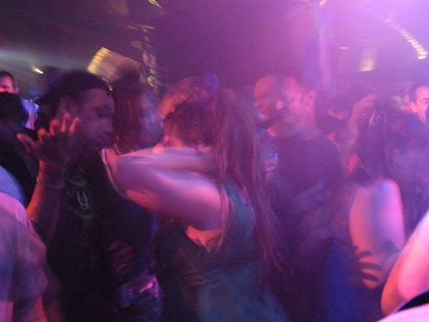 Sanitarios advierten del riesgo en las discotecas: «Se baja la guardia»