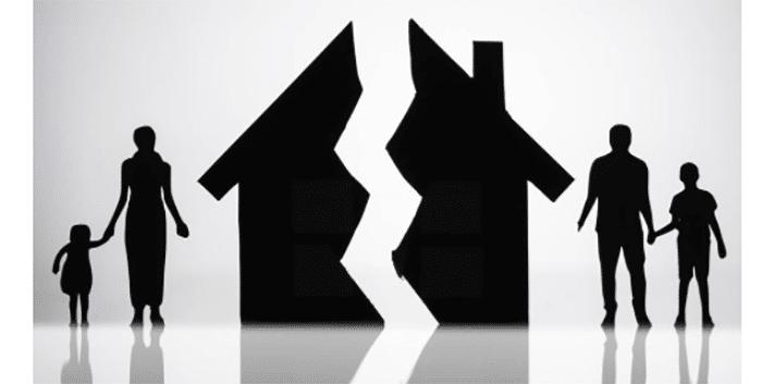 El juez obliga a unos padres separados a vivir en la misma localidad por el bien de sus hijos