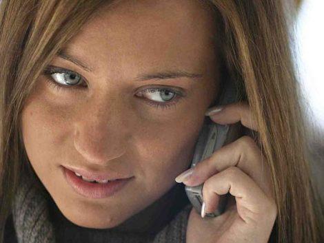 La telefonía móvil en la infancia y la adolescencia