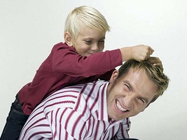 ¿Tiene la figura del padre un papel específico para el bienestar del adolescente?