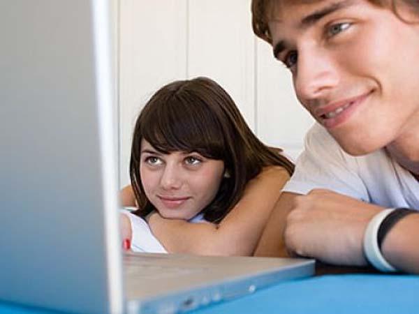 Hábitos de los adolescentes en el uso de Internet y redes sociales