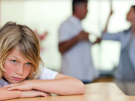 The long-term consequences of parental divorce  for children's educational attainment