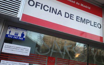 El paro juvenil en España crece al 43,9% y encabeza el ranking de los países desarrollados