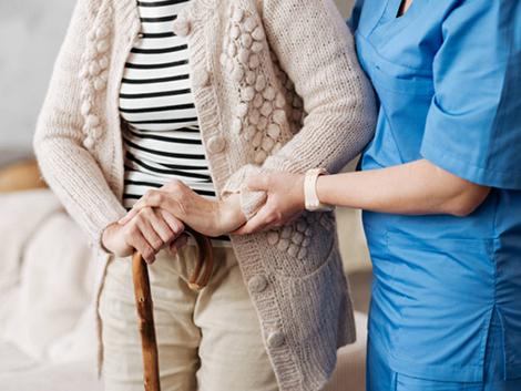 España se hace vieja: ¿qué trabajos serán más demandados a causa de ese envejecimiento?