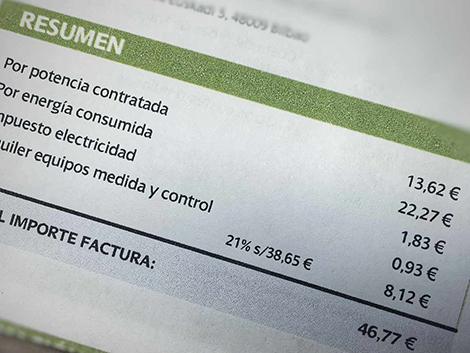 De cheques de 250 euros a meses de luz gratis… las eléctricas avivan la batalla comercial con la crisis