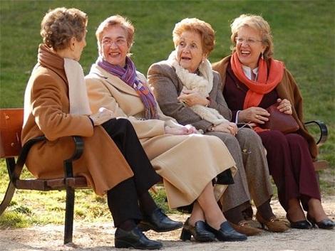 17. Personas mayores y feminización de la ancianidad