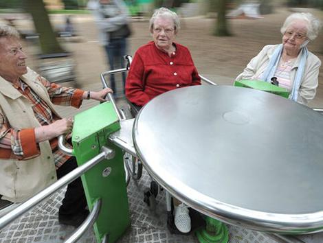 Finlandia inicia la revolución de las citas virtuales para afrontar el rápido envejecimiento de la población