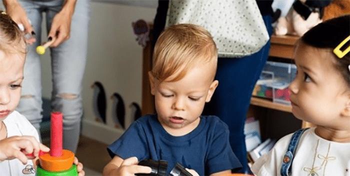 Asociaciones de familias apoyan la gratuidad en las guarderías pero reclaman más ayudas para el cuidado de los hijos