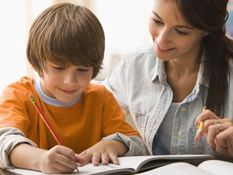 ¿Cuál es la edad legal para dejar a los hijos solos en casa?