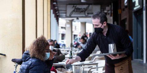 El golpe económico de la pandemia reduce a la mitad la facturación de la hostelería