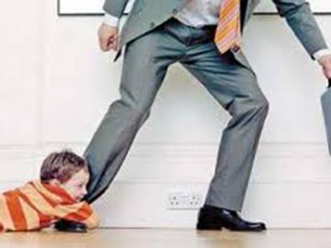 8. Trabajo y familia en la legislación laboral y de seguridad social