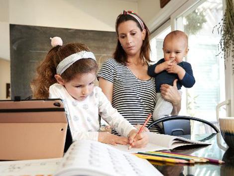Las madres serán las principales perjudicadas si no hay una verdadera vuelta al cole