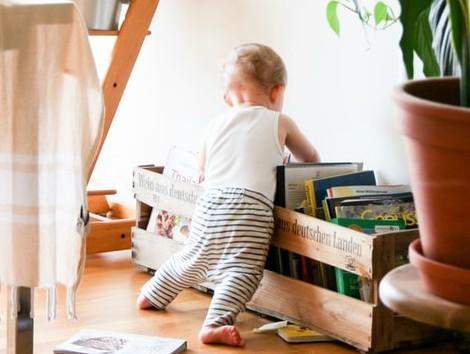Finlandia iguala los permisos de paternidad y maternidad y elimina la referencia de género