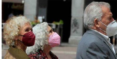 Nueva norma sobre mascarillas: habrá que llevar una por si hay que usarla en exteriores