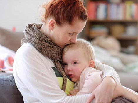 Las madres solas tienen peor salud que las que viven en pareja