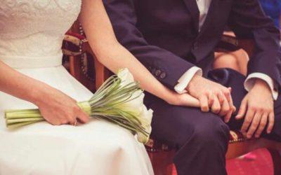 Ni Iglesia ni juzgado: los españoles se casan menos y pasados los 35