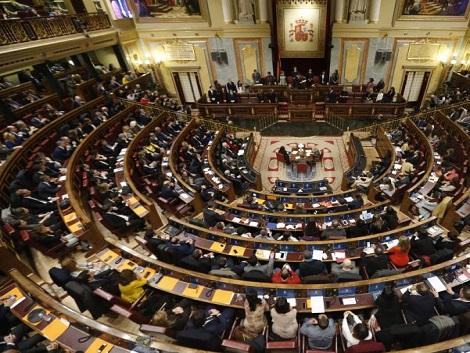 El Gobierno intenta aprobar medidas sociales con más de 900 millones de gasto antes de las elecciones