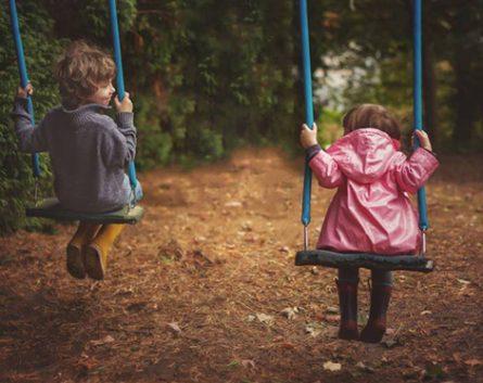Por qué los niños necesitan jugar al aire libre, según la neurociencia
