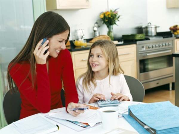 Los precios suben, los ingresos de la familia bajan