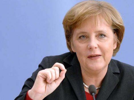 Merkel llama a empresas alemanas a promover conciliación de trabajo y familia